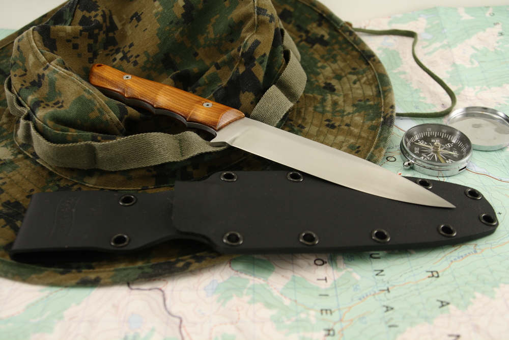 Osprey_outdoor_knife_satin_yew_wood_scales.jpg